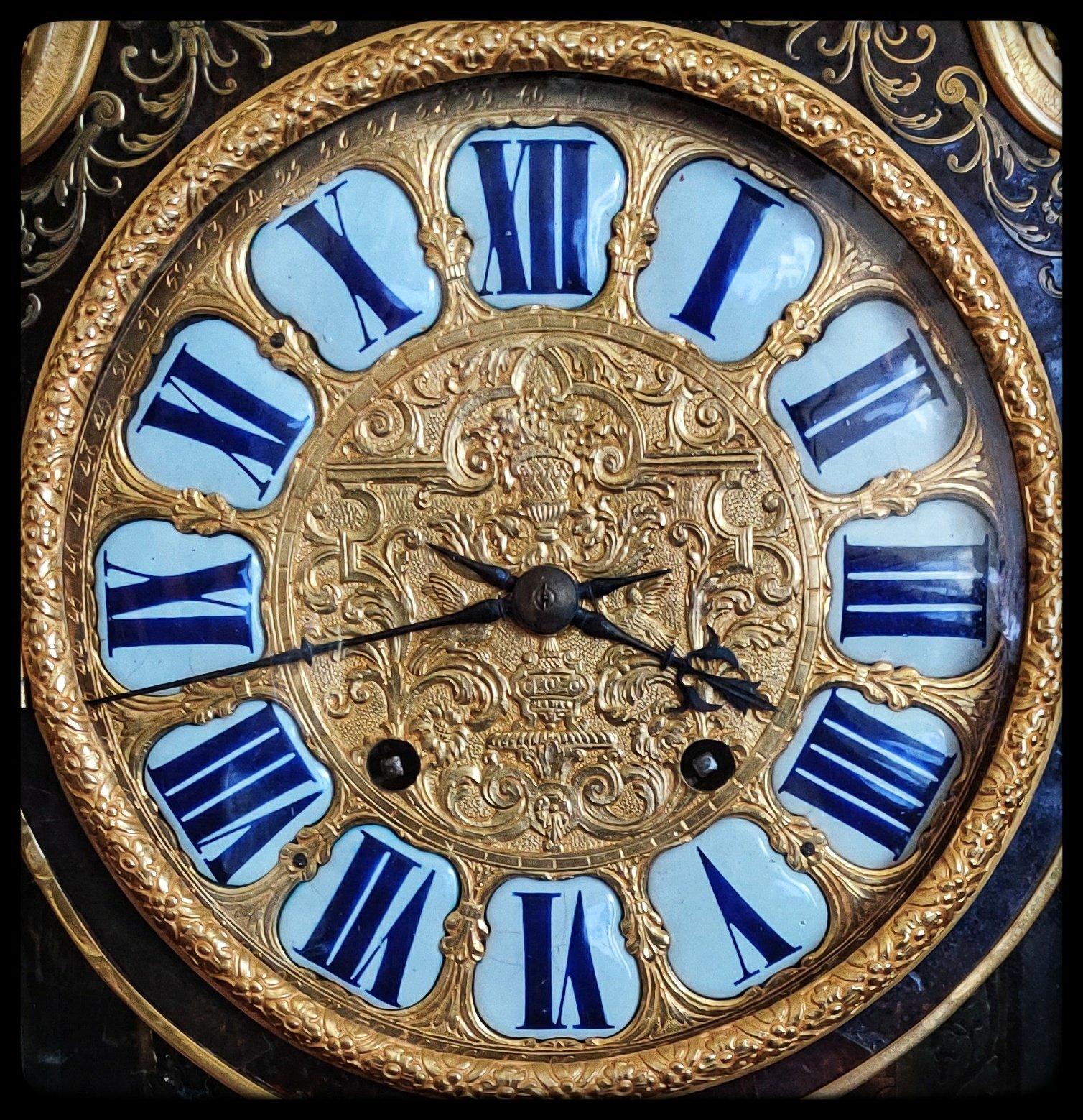 Peter Harris Clocks  Portobello Road